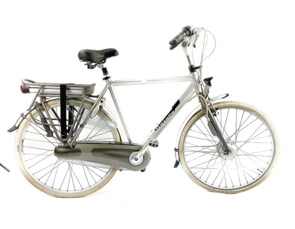 Second hand Dutch bikes for sale - available in our shop in London